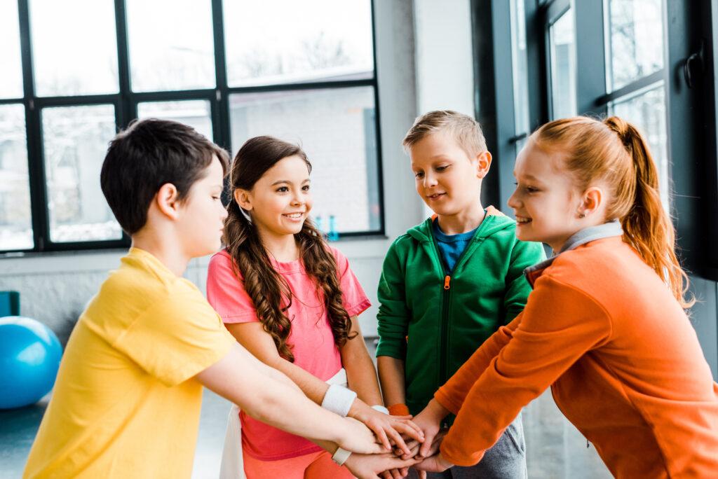 kids with teamwork